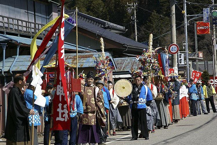 お練り祭り(売木村)